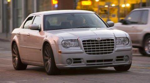 Tire, Wheel, Automotive design, Vehicle, Transport, Land vehicle, Hood, Automotive parking light, Automotive lighting, Grille,