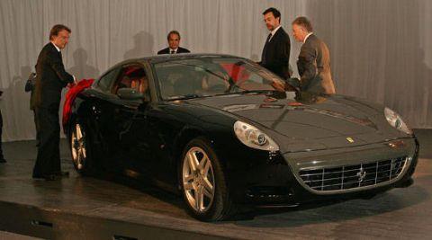 Tire, Wheel, Automotive design, Vehicle, Land vehicle, Car, Rim, Performance car, Personal luxury car, Grille,
