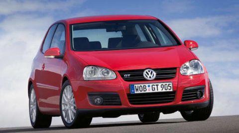 Motor vehicle, Automotive design, Vehicle, Transport, Automotive mirror, Land vehicle, Car, Hood, Red, Automotive lighting,