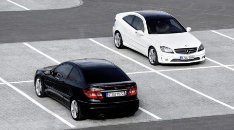Tire, Wheel, Mode of transport, Automotive mirror, Automotive design, Vehicle, Automotive tail & brake light, Land vehicle, Car, Road,