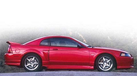 Tire, Wheel, Automotive design, Vehicle, Automotive tire, Land vehicle, Automotive lighting, Hood, Car, Rim,
