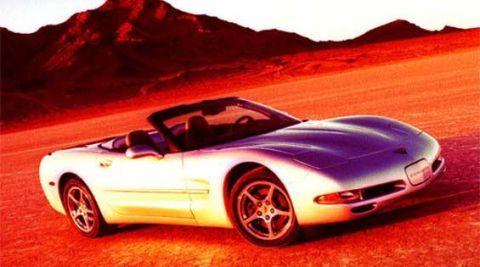 Tire, Motor vehicle, Wheel, Mode of transport, Automotive design, Vehicle, Land vehicle, Automotive mirror, Hood, Car,