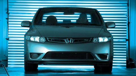 Motor vehicle, Automotive design, Mode of transport, Automotive exterior, Vehicle, Hood, Automotive mirror, Automotive lighting, Grille, Vehicle registration plate,