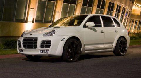Tire, Automotive design, Vehicle, Land vehicle, Automotive tire, Car, Alloy wheel, Rim, Hood, Grille,
