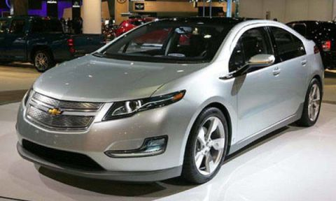 Motor vehicle, Wheel, Mode of transport, Vehicle, Land vehicle, Event, Car, Automotive mirror, Transport, Technology,
