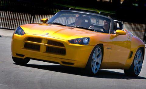 Automotive design, Vehicle, Yellow, Hood, Land vehicle, Headlamp, Performance car, Car, Automotive mirror, Automotive lighting,