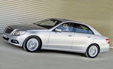 Tire, Wheel, Automotive design, Vehicle, Land vehicle, Alloy wheel, Rim, Spoke, Car, Grille,