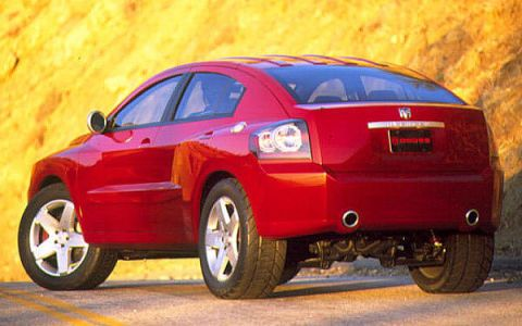 Tire, Wheel, Motor vehicle, Automotive tire, Automotive design, Mode of transport, Vehicle, Automotive wheel system, Automotive tail & brake light, Rim,