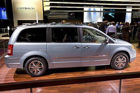 Tire, Wheel, Vehicle, Automotive design, Land vehicle, Automotive tire, Rim, Car, Alloy wheel, Spoke,
