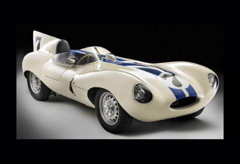 Tire, Wheel, Automotive design, Mode of transport, Automotive tire, Automotive wheel system, Automotive lighting, Car, Auto part, Fender,