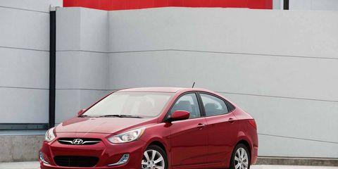Tire, Wheel, Motor vehicle, Automotive mirror, Mode of transport, Automotive design, Vehicle, Rim, Car, Automotive wheel system,