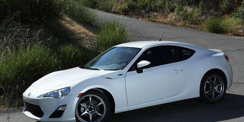 Tire, Wheel, Automotive design, Vehicle, Rim, Infrastructure, Alloy wheel, Car, Performance car, White,