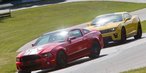 Tire, Wheel, Automotive design, Vehicle, Land vehicle, Hood, Car, Performance car, Rim, Sports car racing,