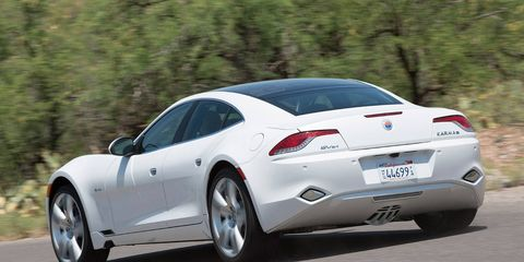 Tire, Wheel, Mode of transport, Automotive design, Vehicle, Vehicle registration plate, Land vehicle, Infrastructure, Car, Automotive tire,