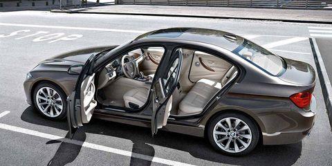 Tire, Wheel, Mode of transport, Automotive design, Vehicle, Rim, Alloy wheel, Trunk, Automotive tire, Car,