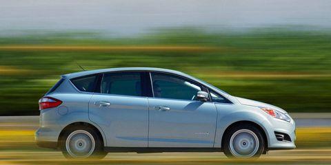 Wheel, Tire, Mode of transport, Automotive design, Vehicle, Automotive mirror, Transport, Car, Automotive tire, Hatchback,
