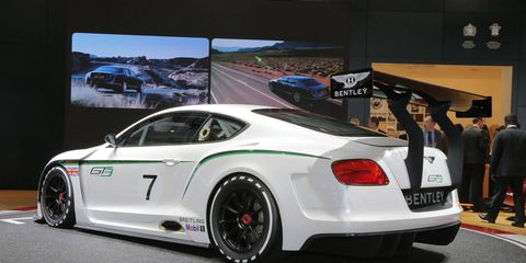 Tire, Wheel, Automotive design, Vehicle, Alloy wheel, Performance car, Rim, Car, Vehicle registration plate, Supercar,
