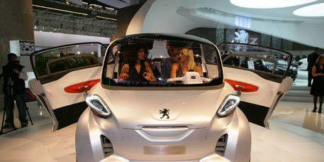 Motor vehicle, Mode of transport, Automotive design, Transport, Automotive mirror, Auto show, Automotive exterior, Rear-view mirror, Concept car, Vehicle door,