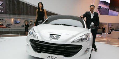 Motor vehicle, Mode of transport, Automotive design, Vehicle, Event, Headlamp, Automotive lighting, Car, Personal luxury car, Grille,