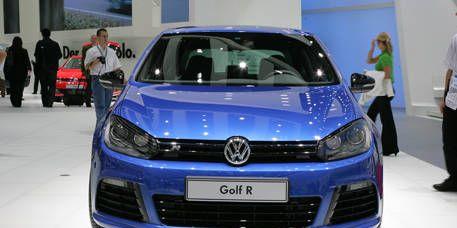 Automotive design, Blue, Vehicle, Land vehicle, Car, Headlamp, Bumper, Automotive lighting, Grille, City car,