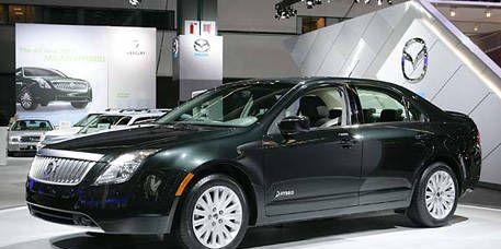 Motor vehicle, Tire, Wheel, Mode of transport, Automotive design, Vehicle, Land vehicle, Transport, Car, Automotive lighting,