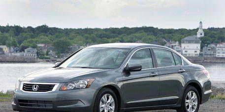 Tire, Wheel, Automotive mirror, Mode of transport, Nature, Vehicle, Product, Land vehicle, Transport, Glass,