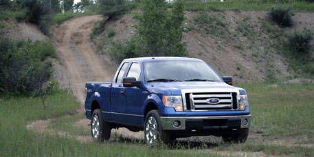 Motor vehicle, Tire, Wheel, Transport, Vehicle, Automotive tire, Rim, Car, Landscape, Fender,