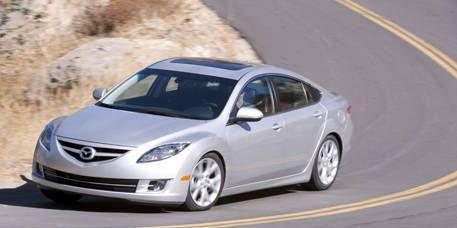 Tire, Mode of transport, Vehicle, Automotive design, Infrastructure, Rim, Headlamp, Alloy wheel, Car, Automotive lighting,