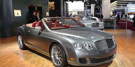 Automotive design, Vehicle, Grille, Car, Bentley, Personal luxury car, Floor, Automotive lighting, Alloy wheel, Luxury vehicle,