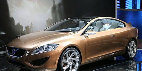 Mode of transport, Automotive design, Transport, Vehicle, Land vehicle, Car, Automotive lighting, Automotive mirror, Headlamp, Personal luxury car,