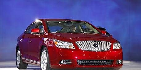 Motor vehicle, Tire, Mode of transport, Automotive mirror, Automotive design, Product, Automotive lighting, Vehicle, Transport, Land vehicle,