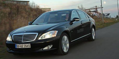 Tire, Mode of transport, Vehicle, Automotive design, Transport, Land vehicle, Automotive lighting, Infrastructure, Grille, Car,