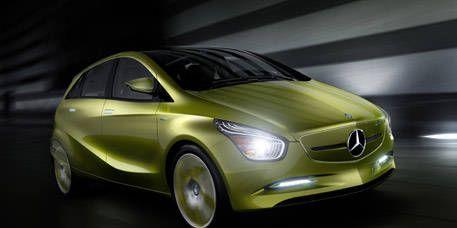 Motor vehicle, Mode of transport, Automotive design, Transport, Automotive mirror, Vehicle door, Hood, Light, Grille, Rim,