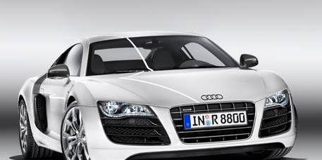 Automotive design, Mode of transport, Automotive mirror, Vehicle, Car, Grille, Rim, Personal luxury car, Audi, Fender,