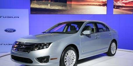 Motor vehicle, Mode of transport, Product, Automotive design, Vehicle, Automotive mirror, Land vehicle, Glass, Transport, Car,