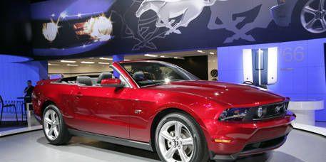 Tire, Motor vehicle, Automotive design, Vehicle, Headlamp, Transport, Automotive lighting, Car, Hood, Red,