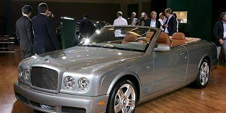 Vehicle, Automotive design, Car, Grille, Personal luxury car, Fender, Bentley, Luxury vehicle, Convertible, Roadster,
