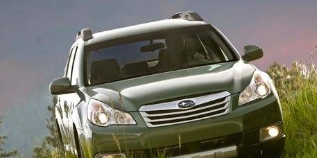 Motor vehicle, Daytime, Transport, Vehicle, Natural environment, Automotive lighting, Automotive mirror, Headlamp, Automotive exterior, Grille,