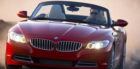Motor vehicle, Mode of transport, Automotive design, Automotive mirror, Vehicle, Hood, Automotive exterior, Automotive lighting, Car, Grille,