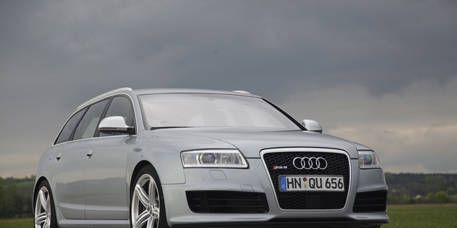 Tire, Mode of transport, Automotive design, Daytime, Transport, Vehicle, Road, Automotive mirror, Infrastructure, Grille,