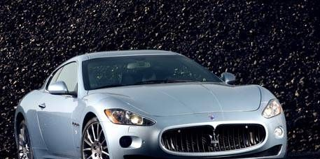 Mode of transport, Automotive design, Vehicle, Car, Hood, Performance car, Headlamp, Rim, Automotive lighting, Automotive mirror,