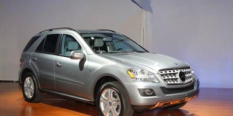 Tire, Wheel, Motor vehicle, Mode of transport, Automotive tire, Product, Vehicle, Transport, Glass, Land vehicle,