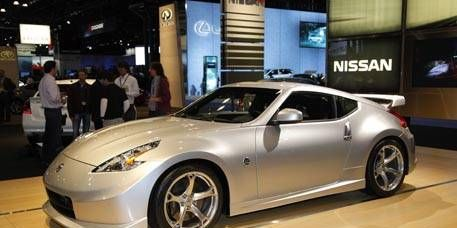 Tire, Wheel, Mode of transport, Automotive design, Vehicle, Land vehicle, Rim, Performance car, Car, Automotive lighting,