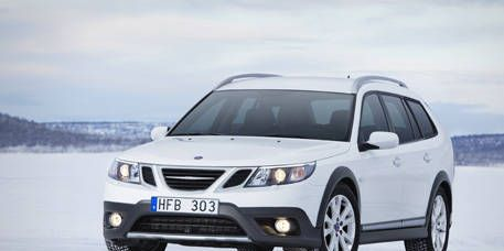Tire, Motor vehicle, Automotive mirror, Mode of transport, Product, Daytime, Transport, Vehicle, Glass, Automotive exterior,