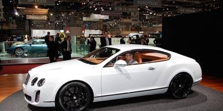 Tire, Wheel, Automotive design, Mode of transport, Vehicle, Land vehicle, Alloy wheel, Rim, Performance car, Car,