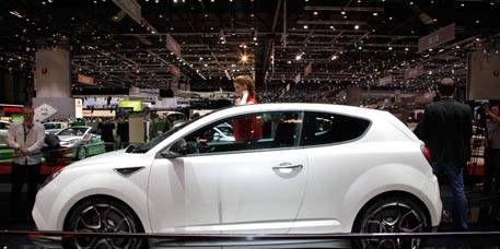 Motor vehicle, Automotive design, Vehicle, Land vehicle, Car, Fender, Auto show, Automotive tire, Alloy wheel, Exhibition,