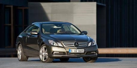 Mode of transport, Automotive design, Automotive mirror, Vehicle, Land vehicle, Car, Hood, Vehicle registration plate, Grille, Mercedes-benz,