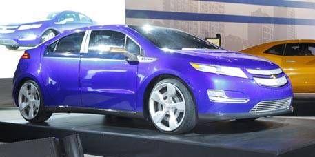 Tire, Wheel, Motor vehicle, Automotive design, Mode of transport, Vehicle, Land vehicle, Transport, Product, Automotive mirror,
