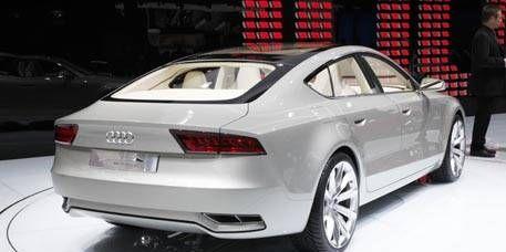 Tire, Mode of transport, Automotive design, Product, Vehicle, Vehicle registration plate, Transport, Automotive lighting, Car, Automotive exterior,