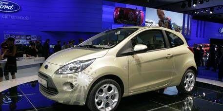 Motor vehicle, Wheel, Tire, Mode of transport, Automotive design, Vehicle, Event, Land vehicle, Transport, Car,